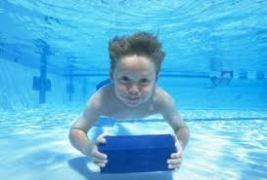 Under water boy swimming